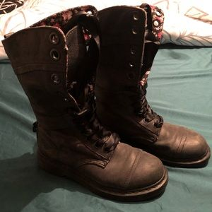 Dr. Martens Size 7 Black Wash Floral Boot